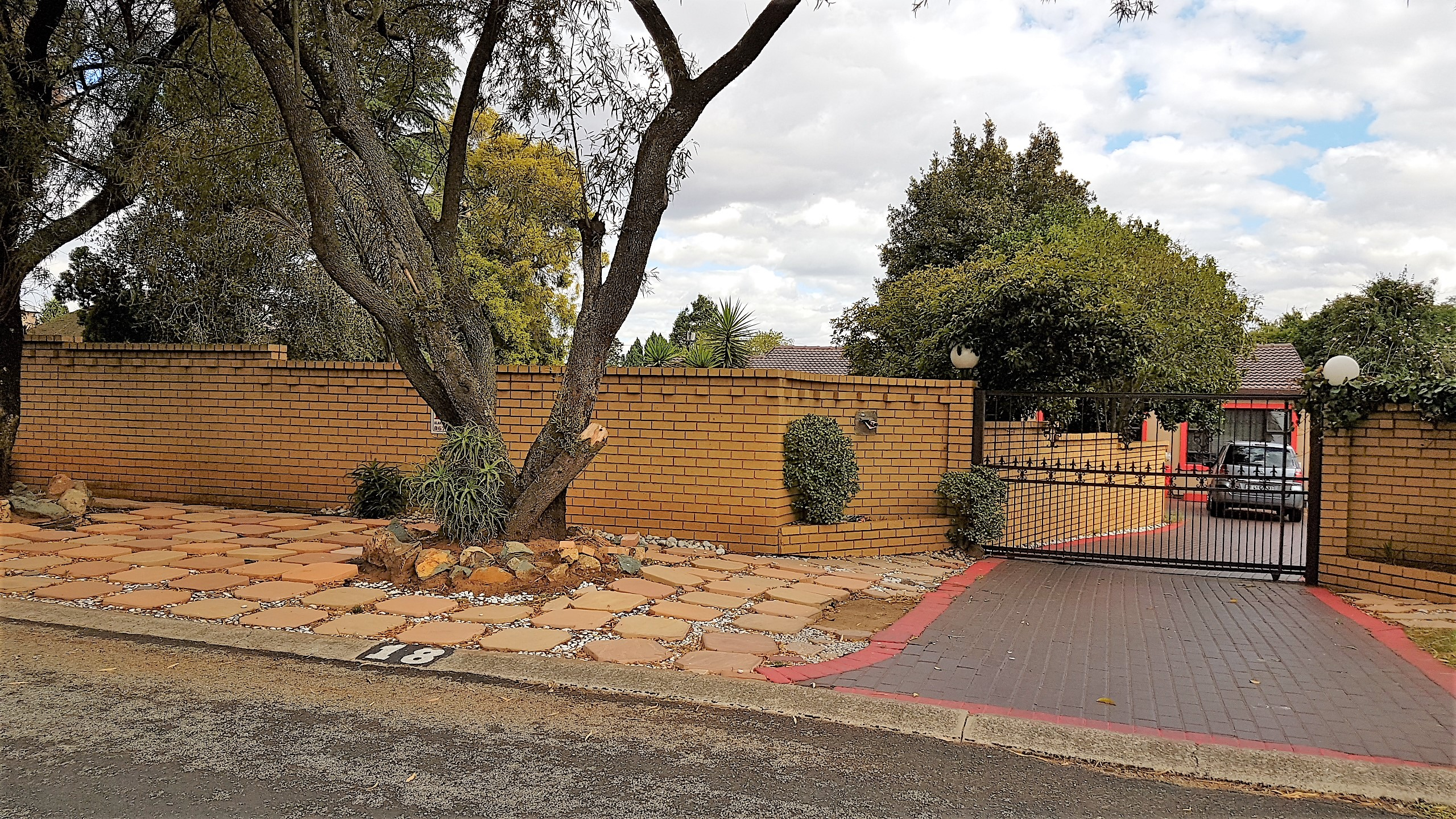 View Property Ref No: 12711