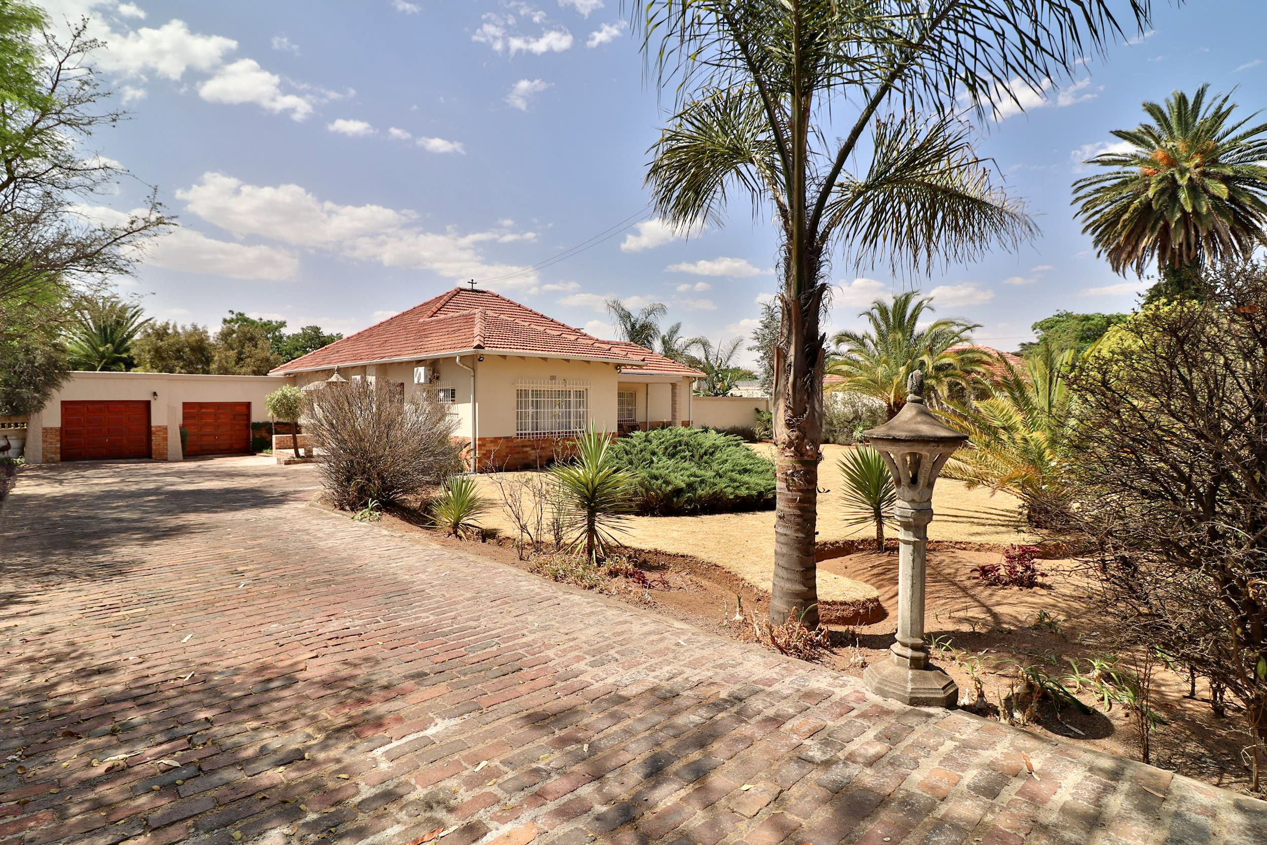 View Property Ref No: 17061