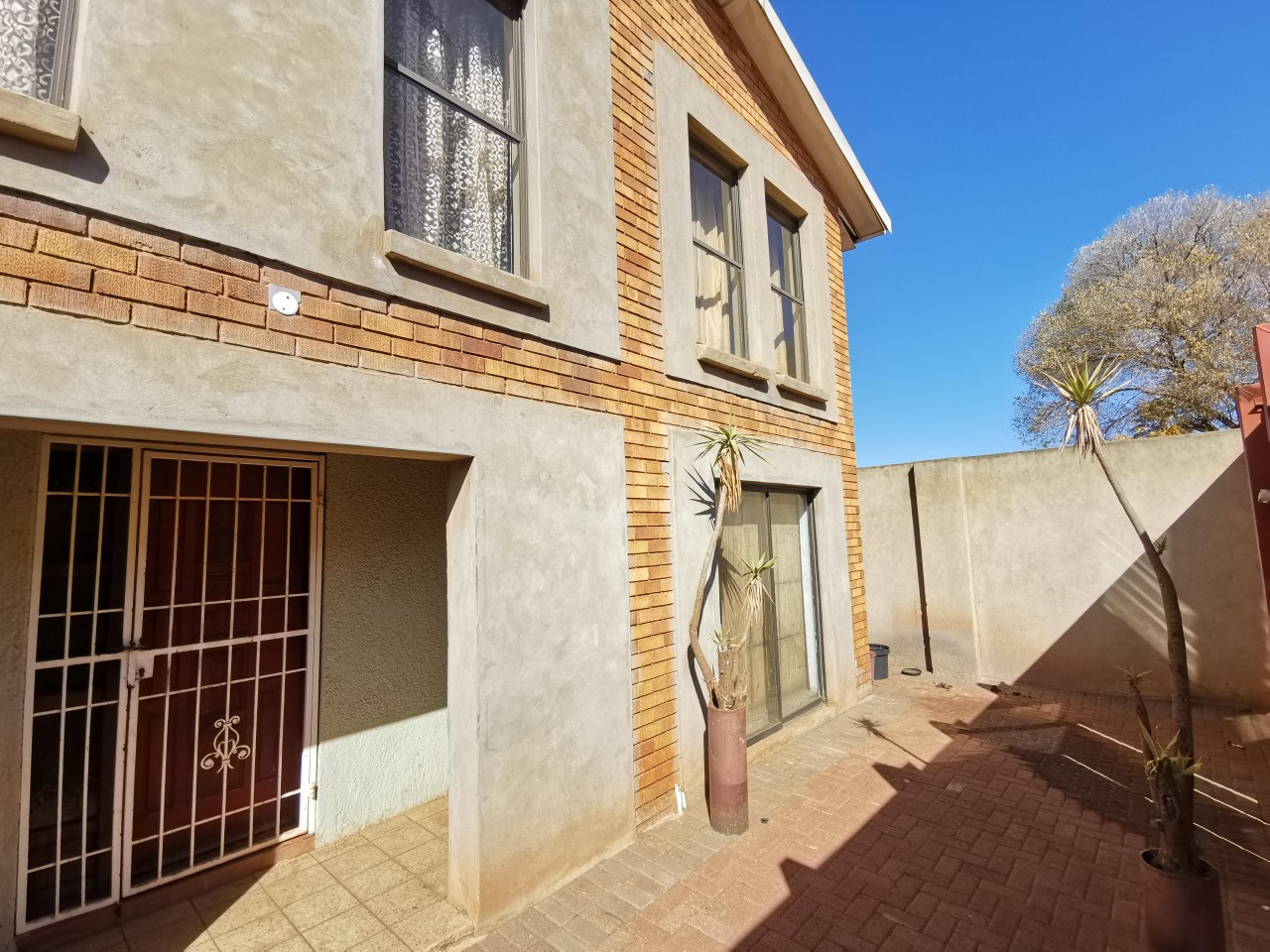 View Property Ref No: 18077